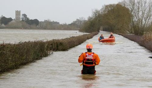 Rescue operations on January 6, 2014 following flooding in Muchelney. (Burnham Area Rescue Boat/AFP/File)