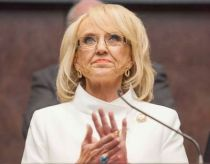 Arizona Gov. Jan Brewer (R)